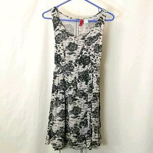 Divided 12 woman's size 8 Tunic